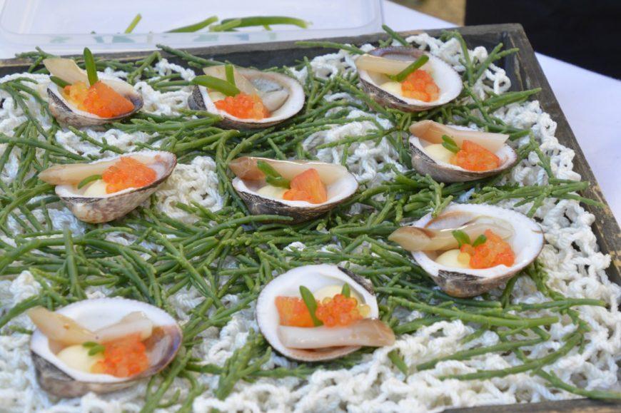 Max' Geschmacks Vorschlag: Ragout von Aal und Flusskrebs im Füllkohlrabi